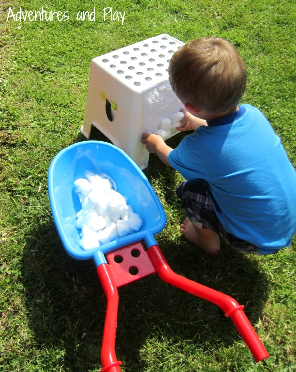 Outdoor fine motor play activity