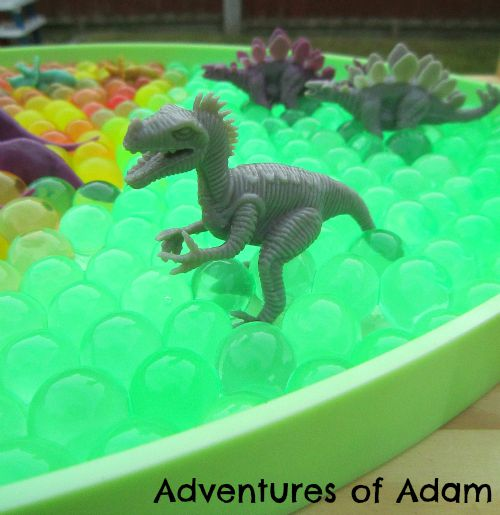 Adventures of Adam easy to make dinosaur sensory bin