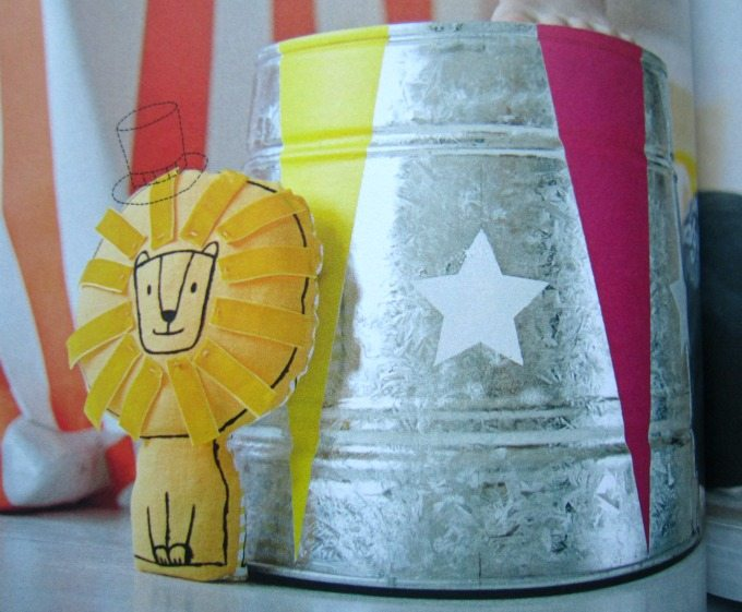 Circus themed crafts in Pirates and Pompoms