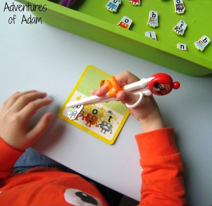 Using CleverstiX fine motor tools