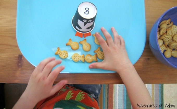 Toddler number game with penguins