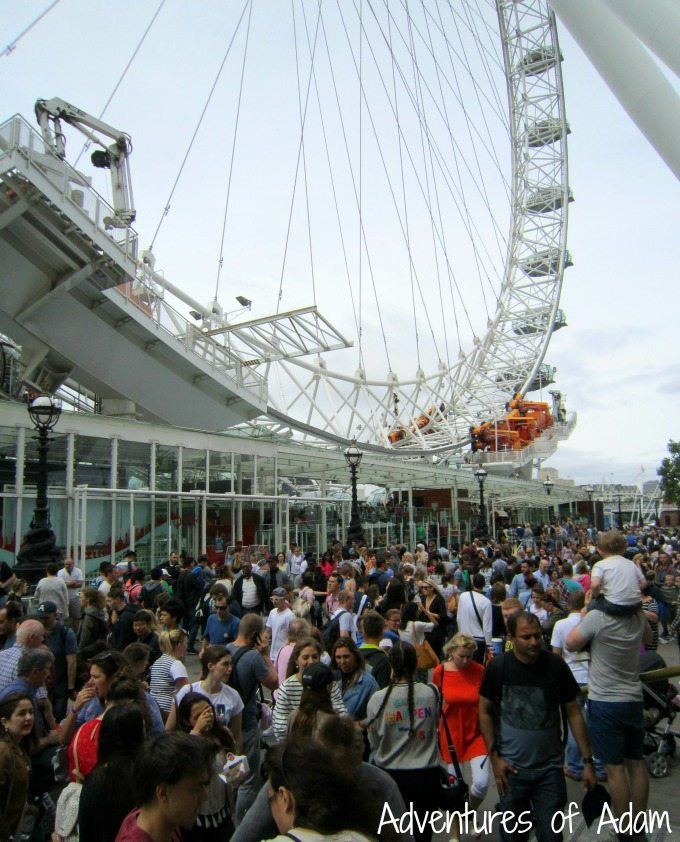 Crowds at the London Eye