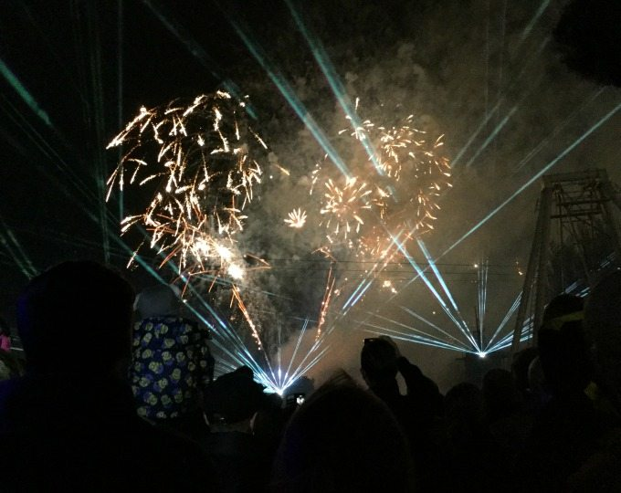 Drayton Manor Star Wars Fireworks
