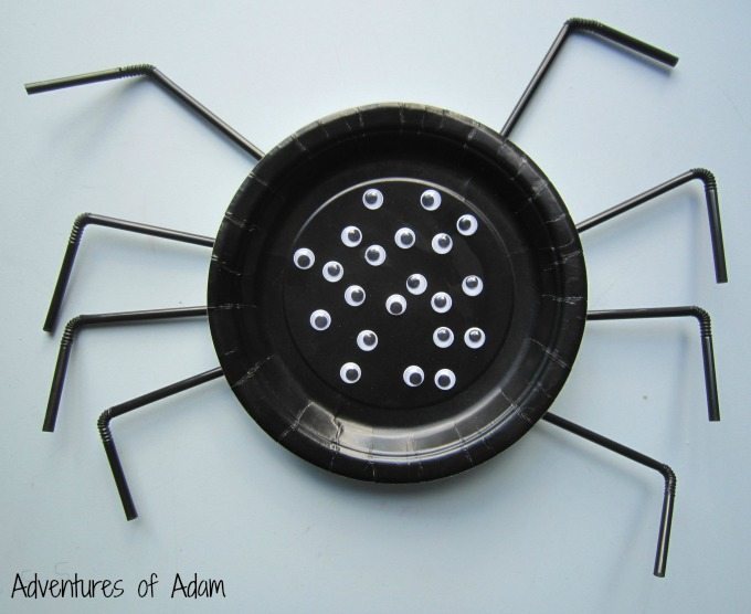 Paper plate spider craft