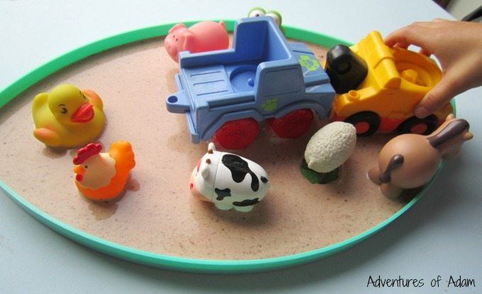Farm animals and gloop sensory bin