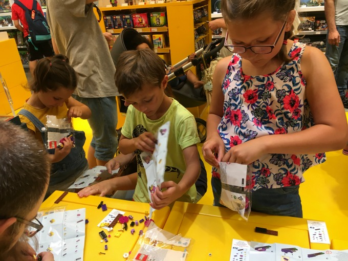 Lego Store free monthly mini build session